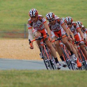 cyclists-1851269_640